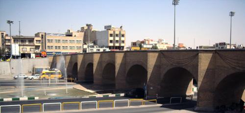 ماجرای جالب چگونگی ساخته شدن پل آهنچی قم