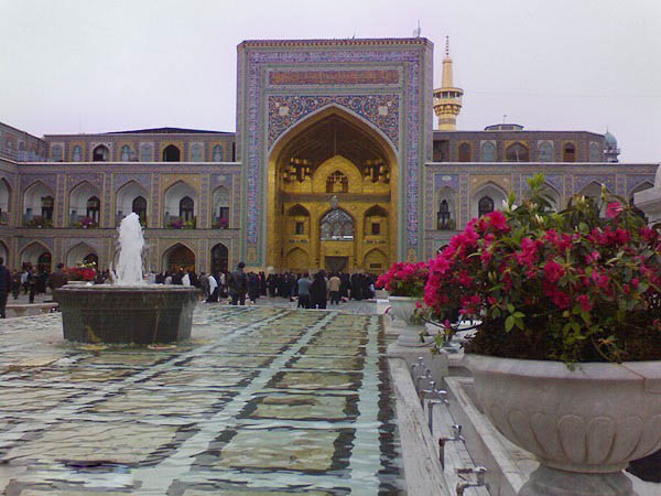 http://www.sibtayn.com/swf/gallery/images/shahrha/mashhad/reza/sahan_reza/pic3/pic8.jpg