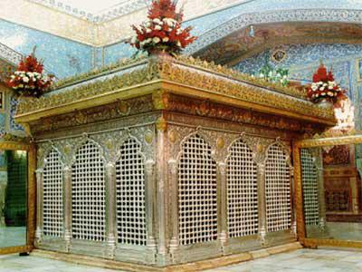 http://www.sibtayn.com/swf/gallery/images/shahrha/mashhad/reza/zarih_reza/pic3/pic64.jpg